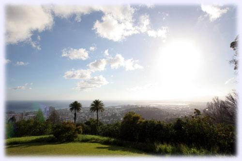 タンタラスの丘より西を望む