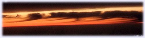 日本海上空の夕焼け