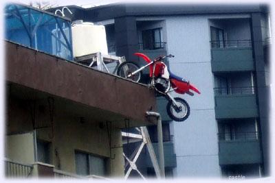 バイク屋の屋上