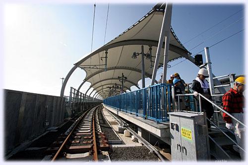 線路から見た仙台空港駅