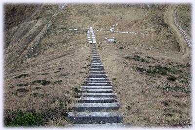 帰りの急階段