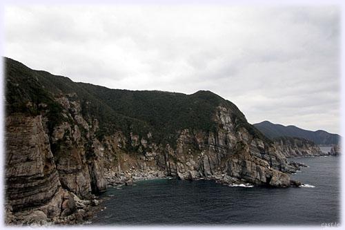 大瀬崎から見た断崖絶壁