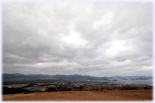 鬼岳から福江の街を望む