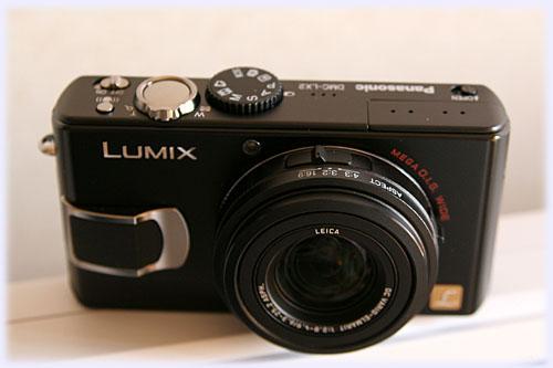 LUMIX LX2