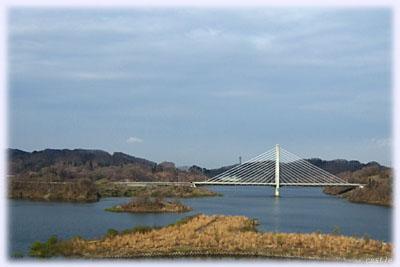 さくら湖にかかる橋