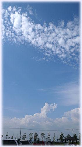 秋の雲と夏の雲