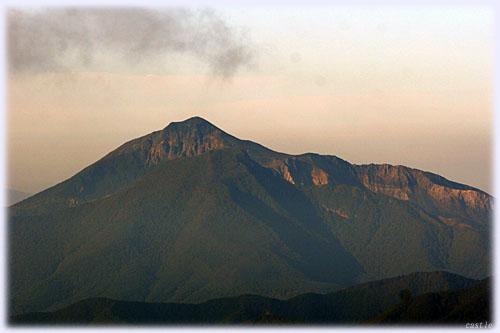 吾妻小富士からの眺める磐梯山?