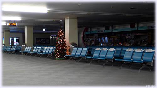 夜の福岡空港第1ターミナル
