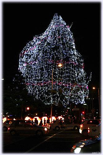 市民広場の光のツリー